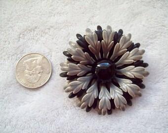 Vintage 1960s layered black gray grey enamel flower brooch pin