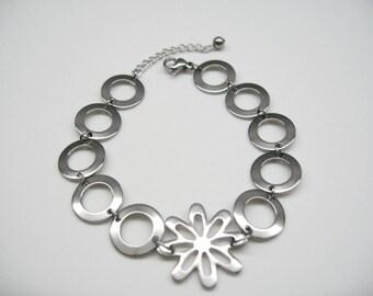 Stainless steel bracelet, flower