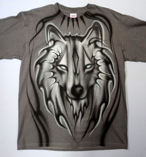 airbrushed grey wolf t shirt hand painted airbrush. Black Bedroom Furniture Sets. Home Design Ideas