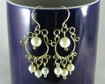 Italian Renaissance - Courtesan Pearl Earrings - Wire Wrapped