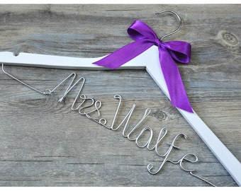 personalized bridal hanger with bowknot, custom wooden wedding hanger, personalized bridal shower gift, custom bride bridesmaid hanger