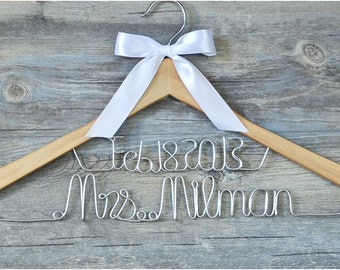 personalized bridal hanger with bowknot, custom bridesmaid hangers bridal dress hanger, personalized wedding name hanger