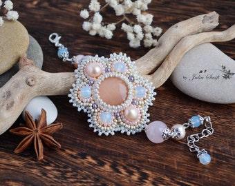 Bead embroidered antique cream bracelet. Gemstones bracelet. Bead embroidery bracelet. Bridal bracelet. Flower shape bracelet.