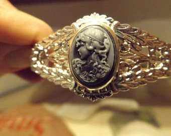 Elegant Cameo silver cuffed bracelet