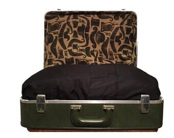 Vintage Suitcase Pet Bed - Medium Size
