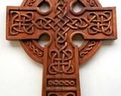 Cruz celta talla en madera, talla en madera hecha a mano, 16.1 x 11.4 en.