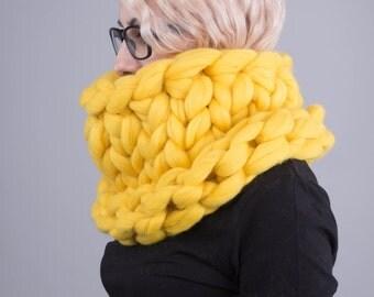 Super Chunky infinity scarf, knitted scarf, Super chunky scarves, scarf, knit scarf, knitting, Merino wool yarn