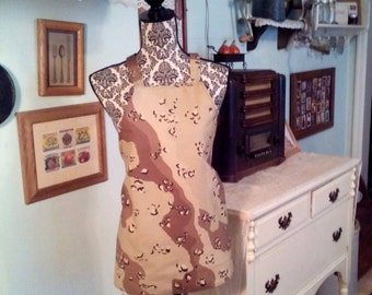 Woman's Canvas desert camo apron