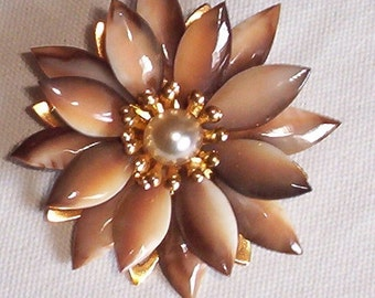 Glass flower brooch / pin w faux pearl Vintage Antique
