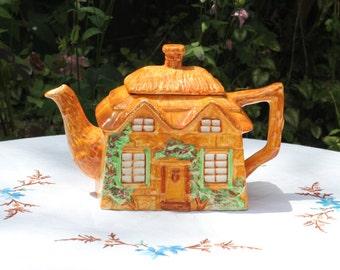 Pretty cottage teapot
