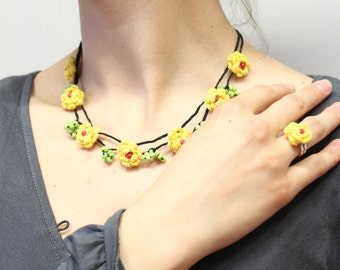 Yellow rose necklace, Oya jewelry set,  Rose beaded necklace, Crochet flower gift, Floral earrings ring necklace