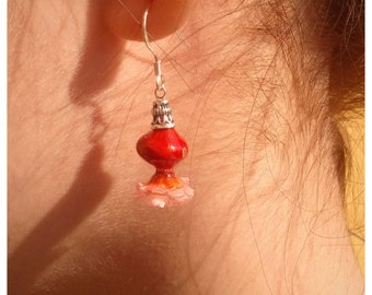 Earrings with Huayruro seed  and a little flower