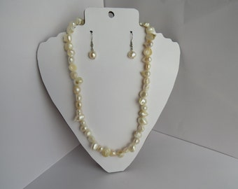 White Pearl Shell Necklace and Earring Set