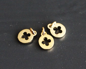 P1-258-G] Daisy / 5mm / Gold plated / Pendant / 4 pieces