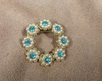 Vintage Goldtone Simulated Pearl and Blue Topaz Stones Pin/Brooch