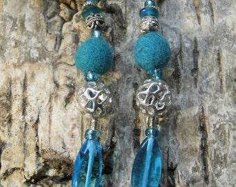 "Earrings ""Laluna"" felt, metal and glass beads"