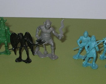 Vintage lot of 8 Dragonrider of Styx playset figures