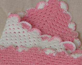 Reversible Crocheted Baby Blanket in Pink and White