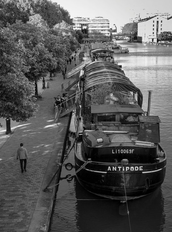 "St Martins Canal, Paris - 16"" x 12"" Photographic Print"