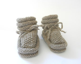 Baby booties taupe