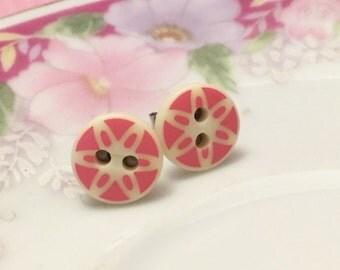 Pink Daisy Stud Earrings, Button Stud Earrings, Pink Flower Stud Earrings, Sensitive Earrings, Button Jewelry, KreatedByKelly (SE3)