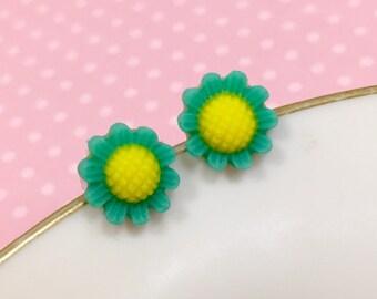 Teal Daisy Studs, Teal Flower Earrings, Flower Girl Earring, Sensitive Ear Stud, Teal Sunflower Stud, Bridesmaid Gift, KreatedByKelly (SE3)