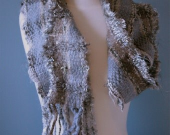 Denim GY01, a grey scarf with touches of blue