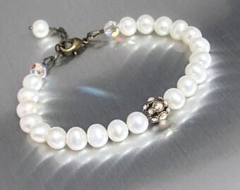 White Pearl Bracelet, Real Pearl Bracelet, Swarovski Crystal Beads, Ornate Vintage Style Bracelet, Wedding Jewelry, Hawaii Jewelry