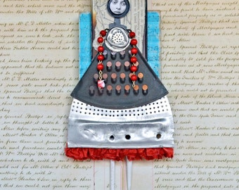 Assemblage Mixed Media - Mave