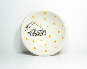 small dish, with a pie slice shown here on orange polkadots, made to order / pick your colour