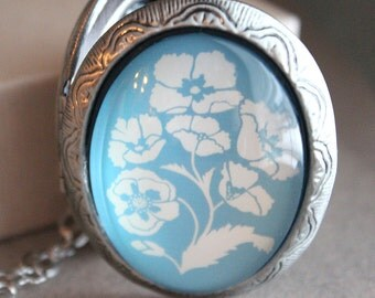 Large Oval Locket - Antiqued Silver - Glass - Long Chain