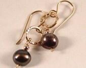 Black Pearl dangle earrings Gold-Filled