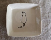 Square dish cat