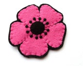 Medium Pink Poppy, felt flower brooch