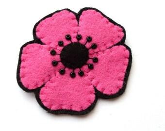 Medium Pink Poppy, felt flower brooch