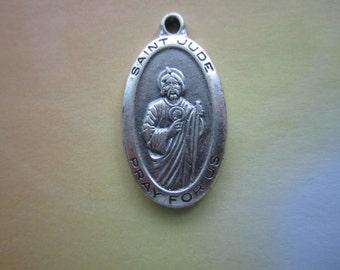 Saint Jude Thaddeus Vintage Patron Saint of Desperate Cases Christian Medal x 1