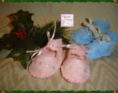 Baby Girl First Christmas Ornament, Pink Baby SHoes, Booties, Handmade, Felt, Ready to Ship