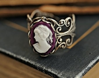 Purple Lady Cameo Ring in Silver