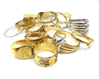 Vintage Mix of Plated Fashion Rings (8x) (J526)