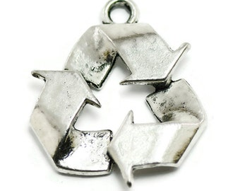 4 Recycle Symbol Charms silver tone metal (S424)