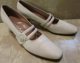 Vintage Cream Locke 1940's Shoes Size 9AAA