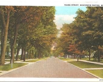 Vintage 1920's -1950's  Linen Postcard Third Street, Wisconsin Rapids, WIS