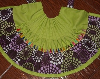 Round about crayon apron