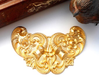 BRASS Art Nouveau Floral Cartouche Flower Stamping - Jewelry Ornament Findings (C-803) #