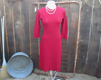 Berry boucle knit Dress 30s Form fitting wool knit dress berry red Vintage Knit wool Dress Vintage SweaterDress M
