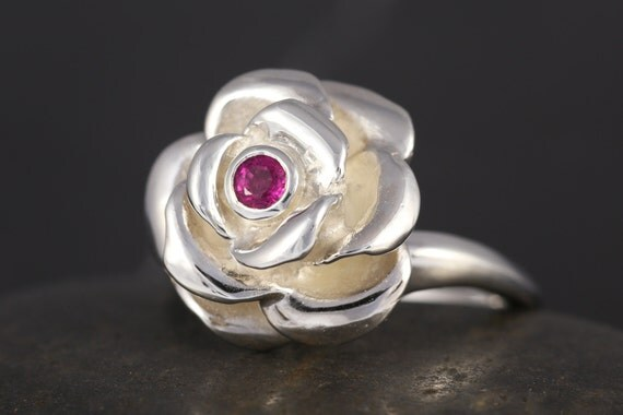 Pink tourmaline Rose bud ring in sterling silver - Rose engagement ring