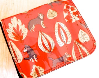 Red wolves in the wood cross body bag