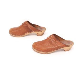 size 6.5 CLOGS tan leather 70s 80s PLATFORM slip on mules