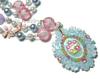 Cupcake Cameo Necklace, Pastel Kawaii Necklace, Resin Strawberry Shortcake, Beaded Fairy Kei Jewelry