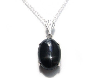 Star Diopside Sterling Silver pendant with chain